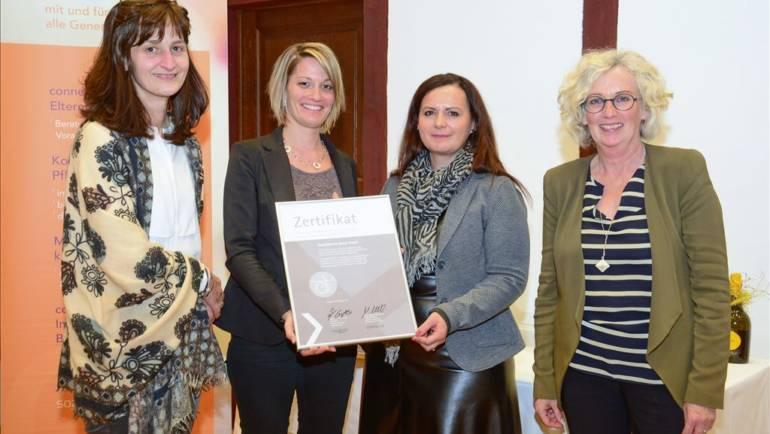 """Verleihung Zertifikat """"Weiterentwicklung der gerontopsychiatrischen Kompetenz in den Vorarlberger Pflegeheimen"""""""