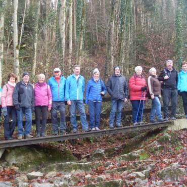 Zämma leaba Wanderung zur Ruine Neuburg