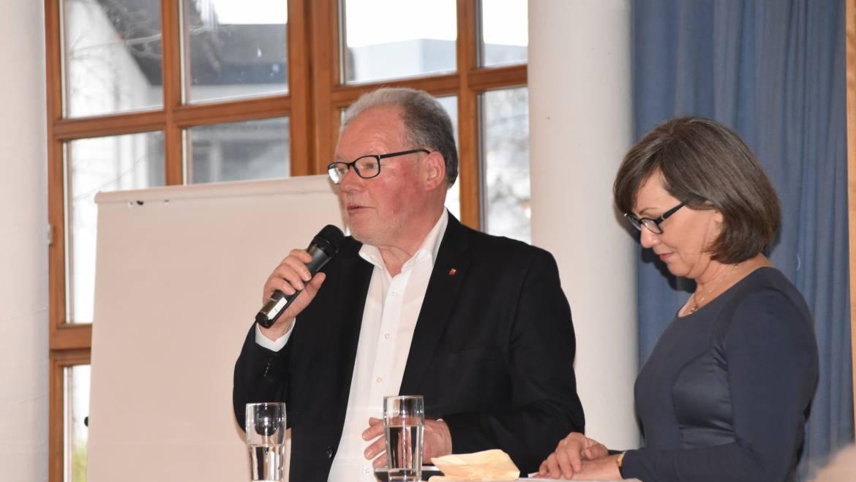 Seniorenhock mit Altbürgermeister Werner Huber