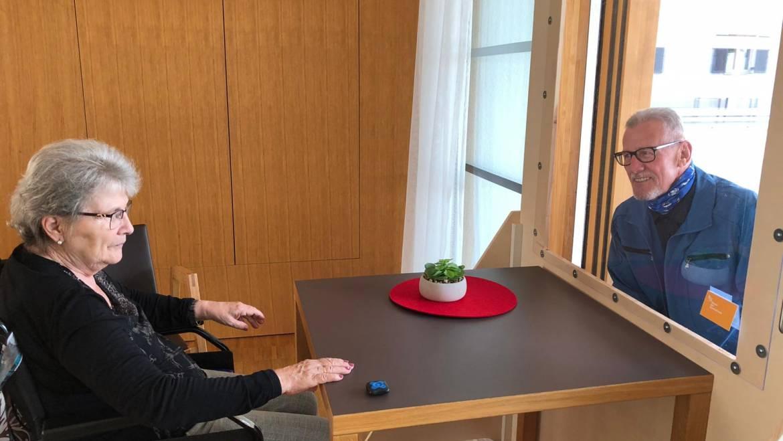 Corona: Lockerung des Besuchsverbots in den Pflegeheimen